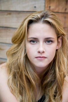 Kristen Stewart Into the Wild Portraits at TIFF 2007