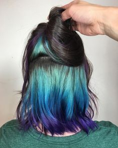 Sea hair cuts more at the forefront of dye trends Hidden Hair Color, Cool Hair Color, Blond Pastel, Peekaboo Hair Colors, Pulp Riot Hair Color, Rock Your Hair, Underlights Hair, Aesthetic Hair, Grunge Hair