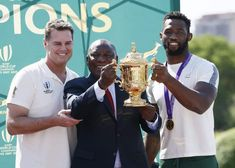 Springboks victory parade: RWC champs welcomed in Durban [video] Emily Scarratt, Siya Kolisi, Dan Carter, Rugby Championship, Coach Of The Year, Victory Parade, World Cup Winners, Fleet Street