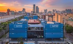 The use of prefabricated shipping containers lowered costs and reduced construction time to just five months.