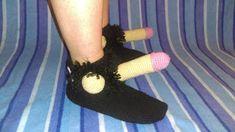 Pchły Szachrajki: Potomkowie Wikingów Slippers, Socks, Fashion, Moda, Fashion Styles, Slipper, Sock, Stockings, Fashion Illustrations