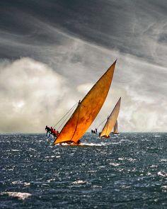 transylvanialand:  Swahili Dhow Racing III - Lamu Archipelago, Kenya by david schweitzer on Flickr.