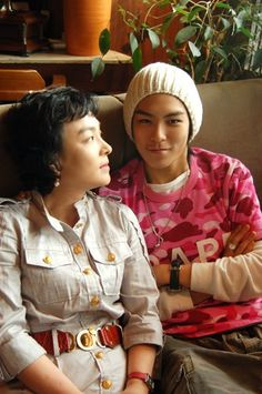 tabi and mom #T.O.P.(トップ) #Bigbang ビッグバン