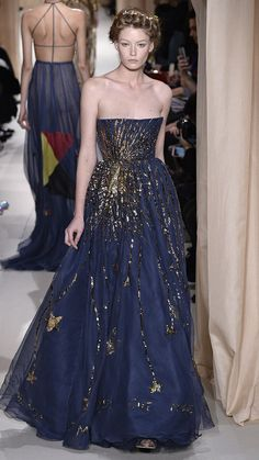 Valentino Haute Couture Spring/Summer 2015 via @AOL_Lifestyle Read more: http://www.aol.com/article/2015/02/02/the-most-beautiful-gowns-from-paris-haute-couture-week/21136040/?a_dgi=aolshare_pinterest#fullscreen