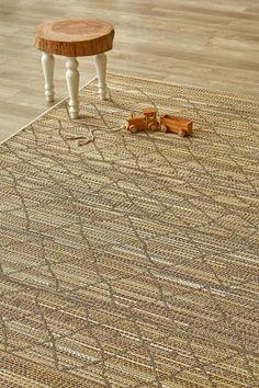 Corn Boho (1.6 X 2.3): Water-resistant, durable poly-propylene woven flatweave (1.6 X 2.3 m). Part bohe...