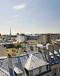 Paris Travel Guide to the best restaurants, bakeries, and wine bars