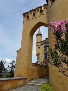 #Schloss #Hohenschwangau im #Allgäu. Wunderschön für eine #Besichtigung. Jedoch nur mit einer Vorausreservation. Rv, Travel Advice, Viajes, Nice Asses