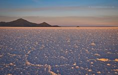 Salar de Uyuni, Bolivia: Sundown If you are going to Southamerica, don't forget beautiful Bolivia Altiplano with its stunning lagunes, colorful mountains, volcanoes and: Salar de Uyuni, biggest salt lake on earth. When the sun is going down, the whole world around you will start to glow. <3