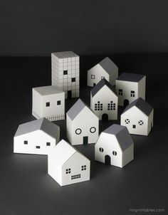 Ghost town / Haunted houses - free printable treat boxes