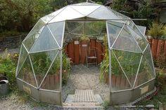 Center for alternative technology geodesic greenhouse by biotron. Geodesic Dome Greenhouse, Geodesic Dome Homes, Townhouse Garden, Dome House, Garden Landscape Design, Aquaponics, Architecture, Indoor Outdoor, Outdoor Ideas