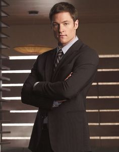 Agent Paul Ballard played by Tahmoh Penikett in Dollhouse -- NOM NOM