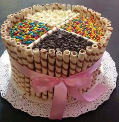 Food Photography: Birthday Cake Decorating Chocolate Ideas For 2019 Torta Candy, Candy Cakes, Birthday Cake Illustration, Cake Recipes, Dessert Recipes, Cake Hacks, Birthday Cupcakes, Birthday Diy, Birthday Cake Decorating