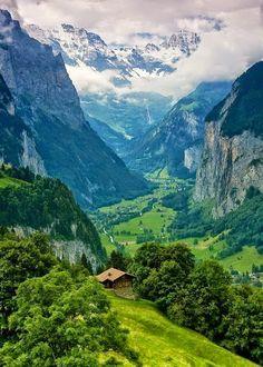 Interlaken, Switzerland in the Bernese Alps (photo by Kamran Efendiev on Photo . Interlaken, Switzerland in the Bernese Alps (photo by Kamran Efendiev on Photo Net) Top Places To Travel, Places To See, Beautiful World, Beautiful Places, Nature Photography, Travel Photography, Scenery, Around The Worlds, Earth