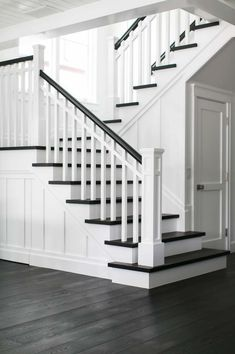 California beach house boasts airy contemporary farmhouse style - beach-style-staircase The Effective Pictures We Offer You About modern home crafts A quality pictu - Staircase Remodel, Staircase Makeover, Beach Cottage Style, Beach House Decor, Style At Home, House Stairs, Staircase Design, Staircase Ideas, Interior Staircase