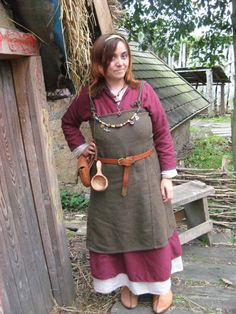 This lady made her entire outfit herself! http://eqos.deviantart.com/art/Viking-Kit-105619173