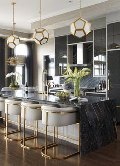 Mix and Chic: Inside a glam, stylish and sophisticated Saskatoon penthouse! - Inside a glam, stylish and sophisticated Saskatoon penthouse! Kitchen Decor, Bar Furniture, Home Bar Decor, Home Decor Kitchen, Kitchen Style, Interior, Kitchen Design, Kitchen Remodel, Home Decor