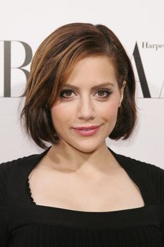 Chin length hair—Brittany Murphy.    Google Image Result for http://www.hairstyleagain.com/wp-content/uploads/2011/12/21/chin-bmurphy1.jpg