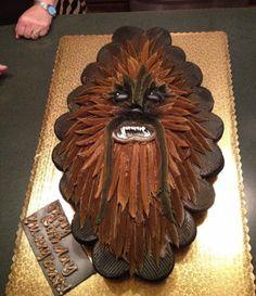 Chewbacca pull-apart cupcake cake
