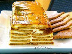 TARTA de Galletas y queso Philadelphia / 2 Paquetes de galletas rectangulares tipo María (unas 60 galletas). •200 gr Queso Philadelphia (podéis usar uno de marca blanca). •600 gr Nata para montar (35%m.g). •150 gr Azúcar. •150 gr Leche. •1 Cucharada Azúcar Vainillado. •1 y 1/2 Sobre de Cuajada. •Caramelo líquido para el molde (yo uso marca Hacendado o Royal)