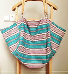 #Bolsa de verano de dos piezas (104 x 49,50 y 32 x 40) con tela de colchón procedente de antiguo almacén de fábrica textil de Igualada  #textil #telas #DYS
