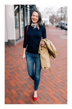 Everyday Chic - Carly the Prepster - preppy outfit You are in the right place about boho outfits Here we offer you the most beautiful pi - Red Shoes Outfit, Outfit Chic, Outfit With Scarf, Outfits With Red Shoes, Women's Red Outfits, Navy Blue Outfits, Navy Pants Outfit, Scarf Outfit Summer, Dress Pants