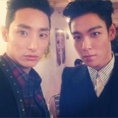 T.O.P and Lee Soo Hyuk Take a Handsome Selfie Together at BIFF - Soompi
