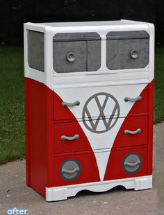 Storage and Dresser Restore-age Repurosed VW themed chest of drawers. Don't miss these kiddie furniture makeovers at Repurosed VW themed chest of drawers. Don't miss these kiddie furniture makeovers at Funky Furniture, Unique Furniture, Repurposed Furniture, Furniture Projects, Kids Furniture, Furniture Making, Furniture Makeover, Painted Furniture, Diy Projects