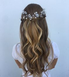 wedding hair hair styles wedding hair hair bridesmaid hair medium length updo hair style for short hair wedding hair hair jewels Bridal Hair Pins, Bridal Updo, Wedding Hair And Makeup, Wedding Beauty, Wedding Hair Accessories, Hair Makeup, Hair Wedding, Wedding Dresses, Hairstyle Bridesmaid
