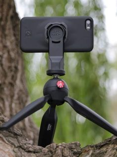 Tech gadget - The Quad Lock Tripod Adaptor easily twists onto your phone, attaches to a camera tripod and allows you to stabilize your photos and videos. Latest Tech Gadgets, Gadgets And Gizmos, Cool Gadgets, Electronics Projects, Electronics Gadgets, Iphone 6 Accessories, Camera Accessories, Cool Technology, Technology Gadgets