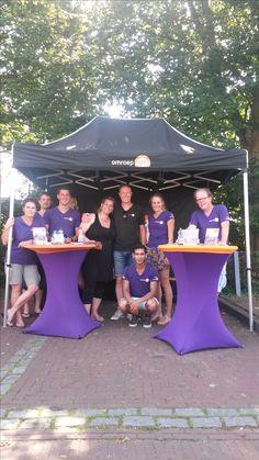 Programma van Tv Gelderland met Angeliqeu Kruger en haar team '' Zomer in Gelderland '' Foto's in Zeddam gemaakt  '' Het hele team van Zomer in Gelderland '' Ontbrekend op de foto angelique zelf