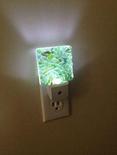 Hoi! Ik heb een geweldige listing op Etsy gevonden: https://www.etsy.com/nl/listing/272930132/zee-glas-nachtlampje-nacht-licht-led
