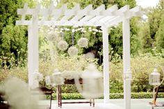 Casamento May & Rapha | Pergolado no altar