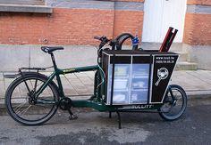 bicycle repair shop on the move Bullitt Cargo Bike, Dog Bike Trailer, Spin Doctors, Coffee Carts, Repair Shop, Bicycle, Puppies, Bike Shops, Big Daddy