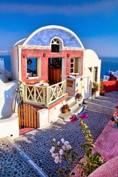 Sidewalk Cafe, Santorini Greece