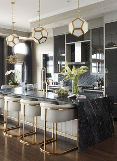 Mix and Chic: Inside a glam, stylish and sophisticated Saskatoon penthouse! - Inside a glam, stylish and sophisticated Saskatoon penthouse! Home Bar Decor, Home Decor Kitchen, Home Kitchens, Kitchen Ideas, Gold Kitchen, Bar Kitchen, Kitchen Cabinets, Kitchen Tips, Tuscan Kitchens