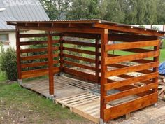 You want to build a outdoor firewood rack? Here is a some firewood storage and creative firewood rack ideas for outdoors. Diy Storage Shed Plans, Wood Storage Sheds, Wood Shed Plans, Shed Building Plans, Outdoor Firewood Rack, Firewood Shed, Firewood Storage, Backyard Sheds, Outdoor Sheds
