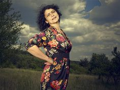 AUDIO: Iva Bittová natočila s filharmonií svoje starší skladby - iDNES. Button Down Shirt, Men Casual, Sari, Mens Tops, Shirts, Icons, Fashion, Saree, Moda