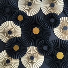 Stylish Paper fans backdrop - set of 20 in BLACK, cragt and GOLD https://www.etsy.com/au/listing/260103836/black-and-craft-paper-rosettes-baby