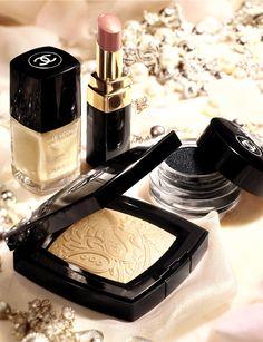 Make up. Chanel.