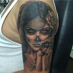 Tattoo Girls, Skull Girl Tattoo, Skull Sleeve Tattoos, Sugar Skull Tattoos, Girl Tattoos, La Muerte Tattoo, Catrina Tattoo, Pin Up Tattoos, Body Art Tattoos