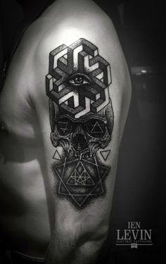 Ien Levin tattoo artist