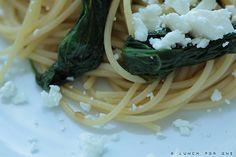 Pasta mit Spinat, Feta und etwas Feuer