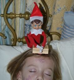 Elf does a little stamping with washable ink ... lol!! Next year, I'm definitely gonna get one of those elves!