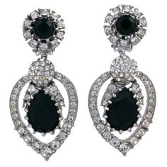 Preowned Ciner Diamonte And Jet Earrings ($225) ❤ liked on Polyvore featuring jewelry, earrings, joias, dangle earrings, grey, clip on dangle earrings, grey earrings, gray earrings, long earrings and rhinestone earrings