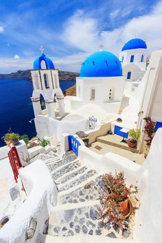 19 Beautiful Greek Islands You Should Visit – Santorini Best Places In Greece, Best Places In Europe, Tourist Places, Beautiful Places To Travel, Travel Aesthetic, Greece Travel, Greek Islands, Dream Vacations, Travel Around The World