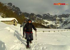 Los últimos días con cambios en lo meteorológico, no merman las ganas de disfrutar los Picos en todo su esplendor!! ;) #raquetasdenieve #montaña #invierno  #picosdeeuropa    Weather changes don´t decrease our will to enjoy Picos in all its brightness!! #Snowshoeing #Mountain #Spain