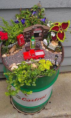Cute for a motor-head fairy! Indoor Mini Garden, Mini Fairy Garden, Fairy Garden Houses, Gnome Garden, Lawn And Garden, Garden Pots, Small Garden Fairies, Flower Fairies, Miniature Plants