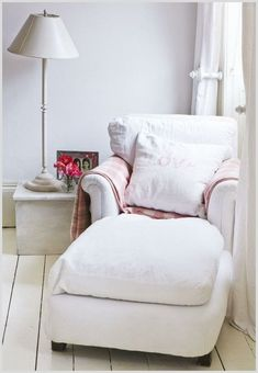 34 cozy chair reading nook #cozy #chair #reading #nook Please Click Link To Find More Reference,,, ENJOY!!