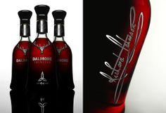El whisky más caro del mundo, The Dalmore Trinitas, es tan exclusivo que solo se fabricaron 3 botellas a 114,000 euros.