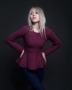 Ph @afanasjevaolga_foto  Md @ksutixonowa  Джемпер с баской @polinakraynova  #джемпер #купитьджемпер #ручнаяработа #меринос #fashionknitwear #winterfashion #handmade #сrochetjumper #jumper